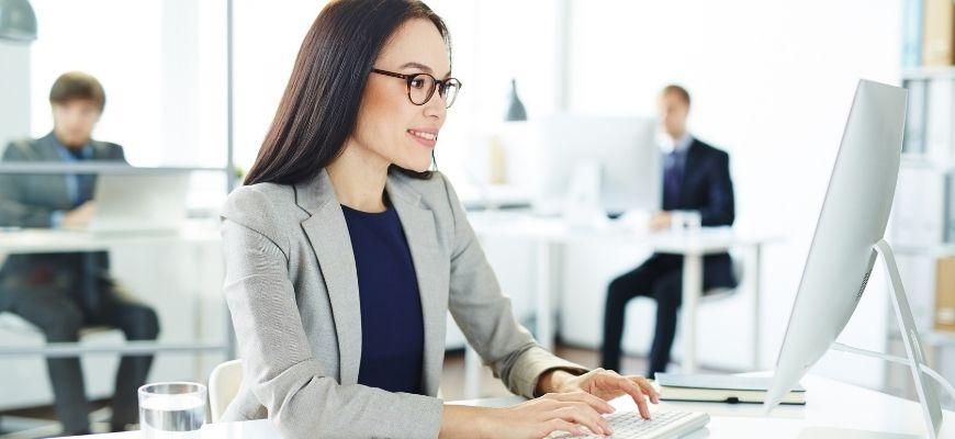 Научете как бързо и лесно да работите със счетоводната програма Ажур