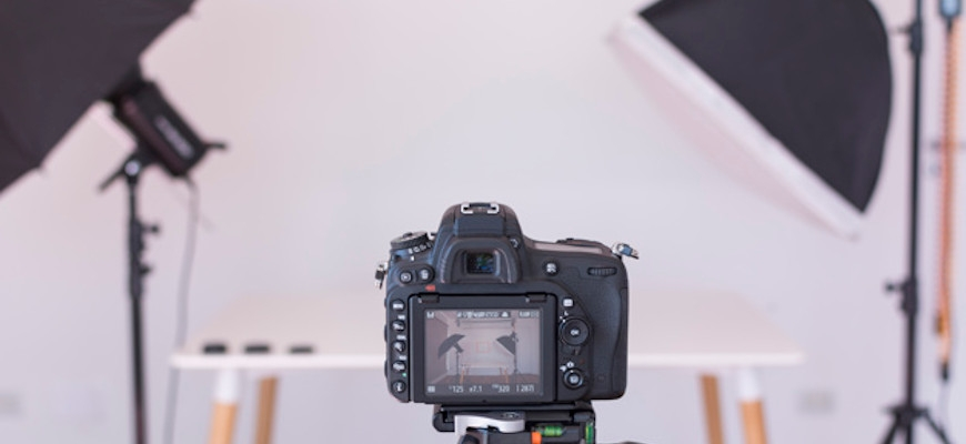 Практическо обучение на фотография в студийни условия.
